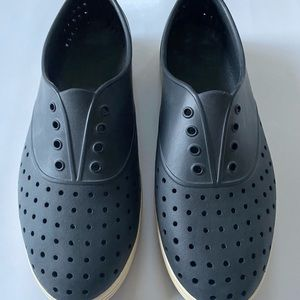 Native Shoes New 9